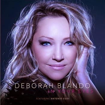 """Deborah Blando na capa do disco """"In Your Eyes"""", de 2013"""