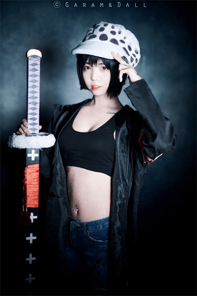 Trafalgar Law Cosplay by Garam & Dall