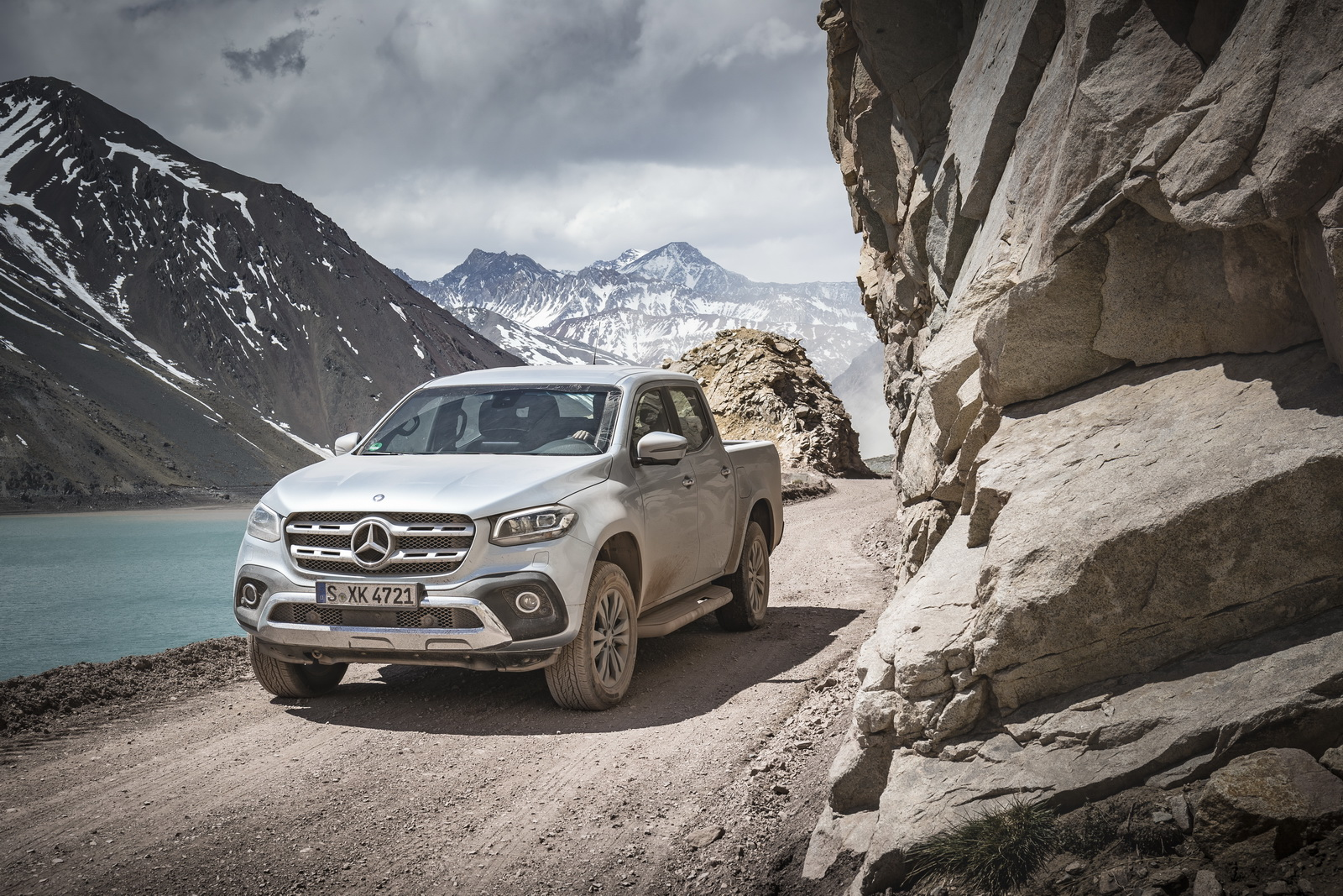 First mercedes x class camper concepts debut in germany for Camper mercedes