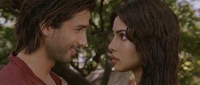 Screen Shot Of Hindi Movie Teri Meri Kahani (2012) Download And Watch Online Free at worldfree4u.com