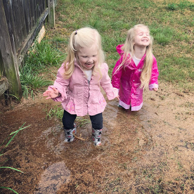 20 Summer Bucket List Activities - Your Guide to Summer Fun. Family fun activities to do in and around Huntsville and the North Alabama area. Play outside in the rain