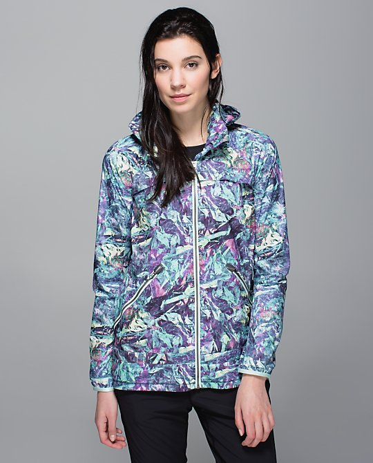 lululemon-miss-misty-iridescent