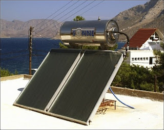 Pemanas air thernosiphon dipasang di tempat datar