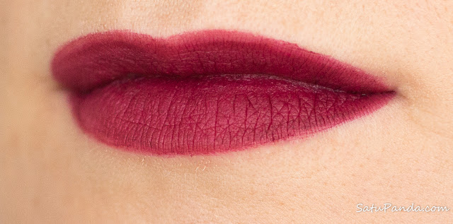 Rimmel Stay Matte Liquid Lip Colour 810 Plum This Show  свотчи и отзыв