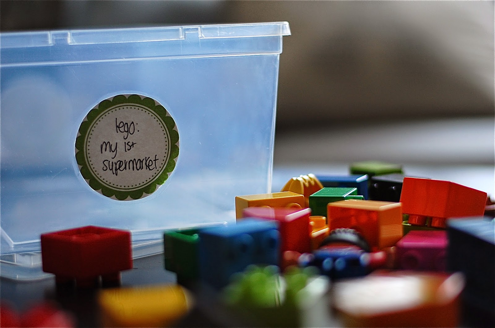 5 Cara Menyimpan Mainan Lego
