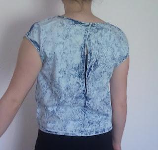 www.dresslily.com/round-neck-short-sleeve-self-tie-hollow-out-denim-t-shirt-product794100.html?lkid=461745