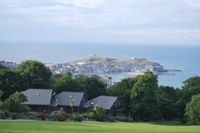 St Ives, Cornwall photo by modernbricabrac