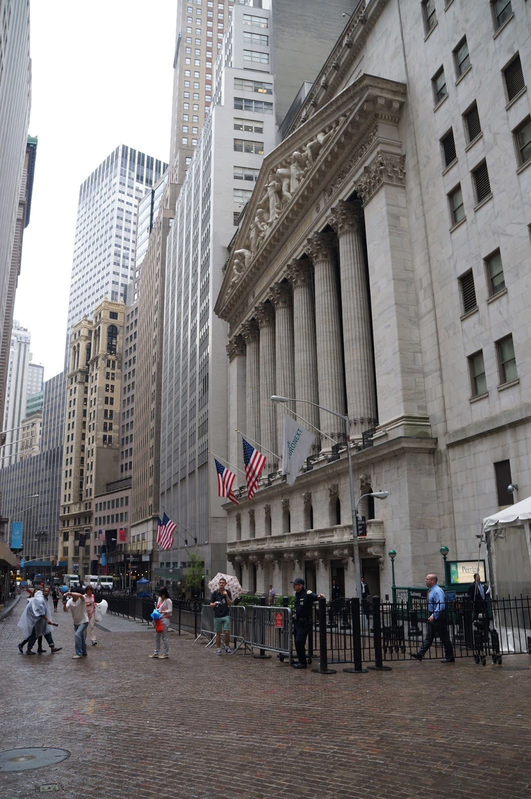 wall street, capitalism, money, new york stock exchange, NYC, New York, 10 free things to do, free things to do in NYC, travel, New York, explore, adventures, photography, usa, tourism, tourists, federal hall, george washington