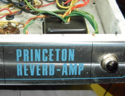 Fender Deluxe Reverb Cracked Lips