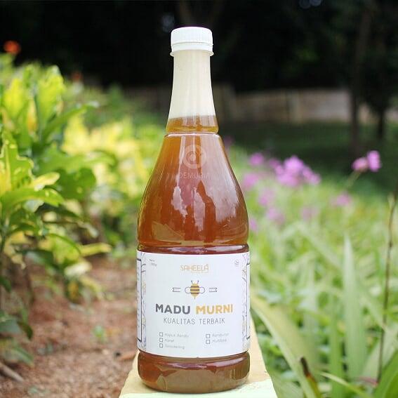 Madu Murni Saheela 1350 Gr, madu asli, madu kapuk, madu ternak, madu hutan, herbal, promil madu promil, nabawi, madinah, mekah, oleh oleh haji, madu murni.