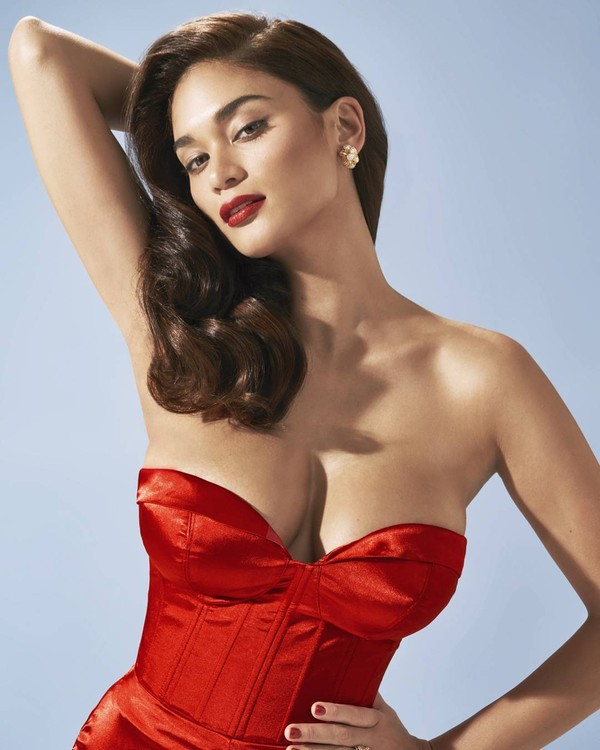 Hoa hậu có vòng 1 khủng nhất lịch sử Miss Universe, số đo lên tới 103 cm