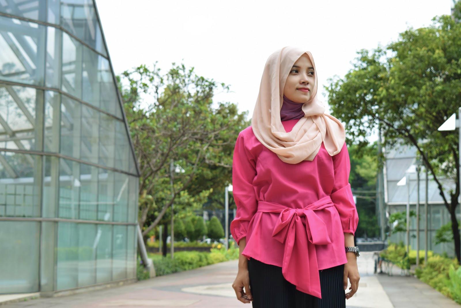 gaya selfie hijab kekinian  gaya berpose ala model