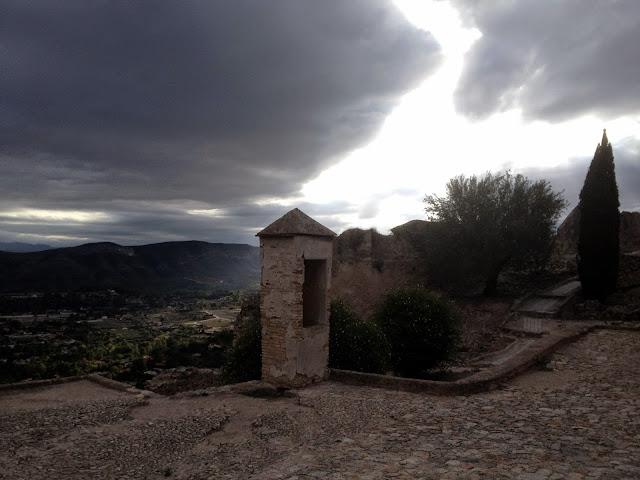 torreones y murallas en el Castillo de Xátiva