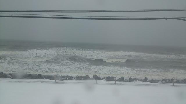 荒れた釧路の海