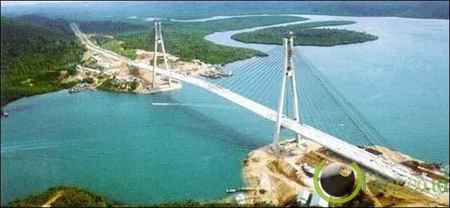 Jembatan Tengku Fisabilillah / Jembatan Barelang (642 Meter)