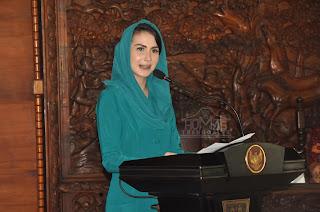 Arumi Bachsin  Tekankan Pentingnya Keluarga Berencana