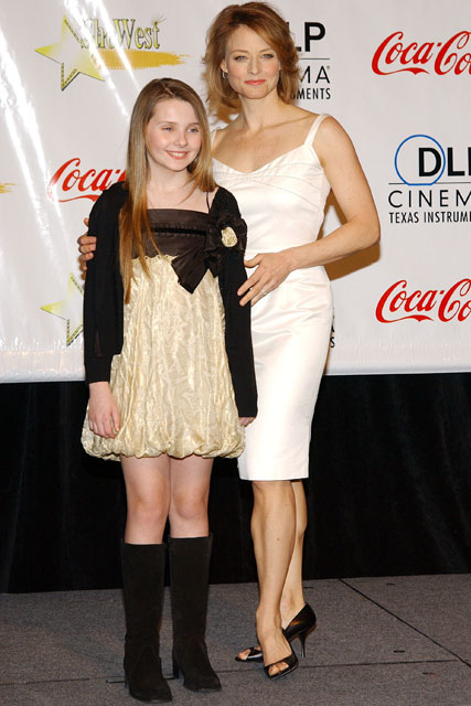 Childhood Pics of Abigail Breslin With her Mother