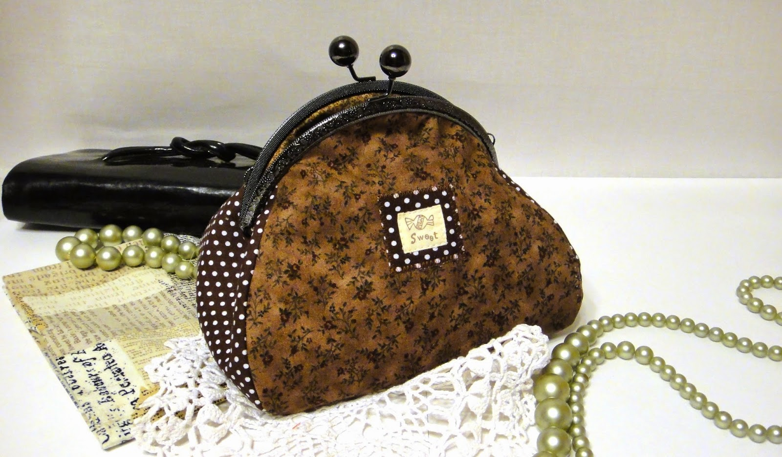 Маленькая сумочка клатч: американский хлопок и фермуар-защелка - в подарок девушке, в подарок девочке