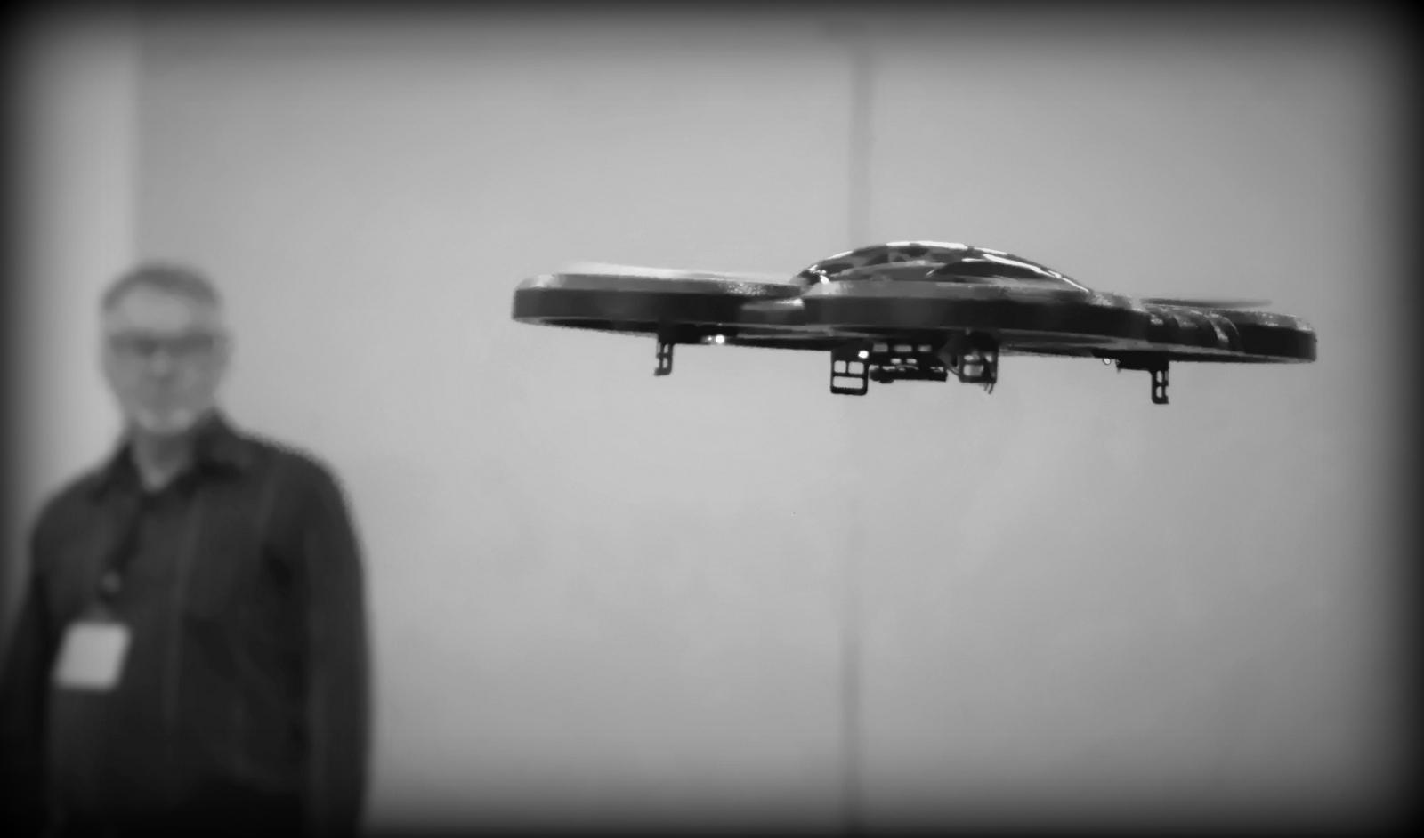 drone parrot travis avis
