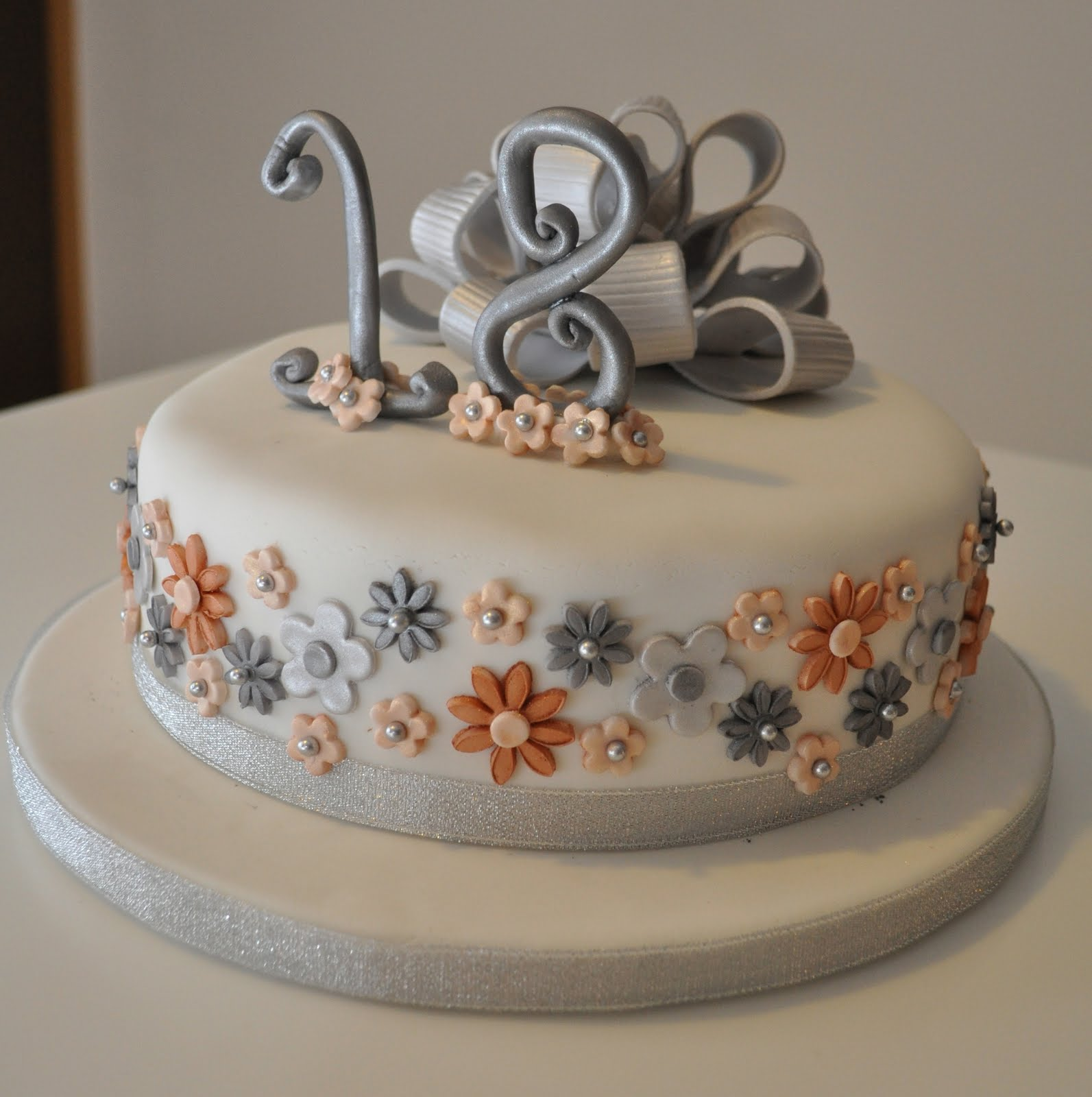 Simply Amazing Cakes 18th Silver Amp Gold Birthday Cake