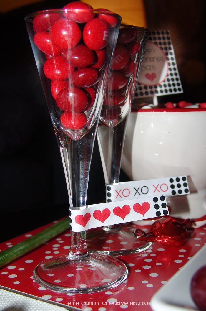 red heart drink flag, XOXO drink flag, black and red printables, free valentines download, M&Ms