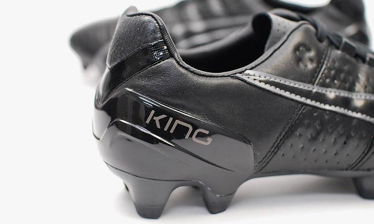 Blackout Puma King II 2015 Boots Released - Footy Headlines bbd84c423