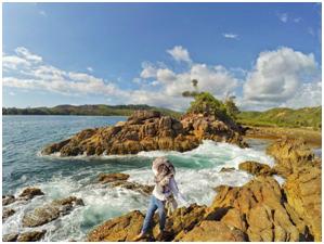 Pulau pantai yang ada di sumatera ini akan membuat kamu berasa di luar negeri,keindahannya bikin lupa kamu sedang sendiri,baca ulasannya disini