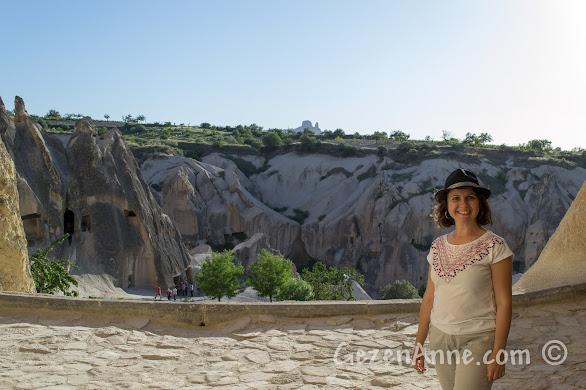 Kapadokya Göreme Açık hava müzesini gezerken