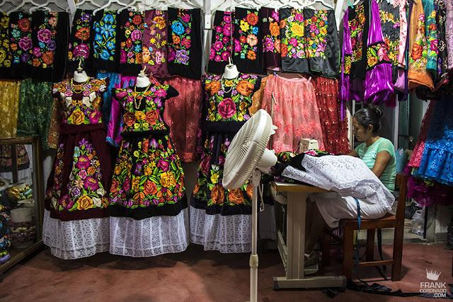 costurera de trajes de tehuana
