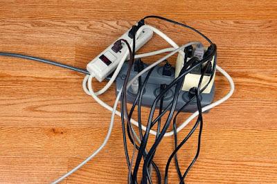 Instalaciones eléctricas residenciales - sobrecarga en multicontacto