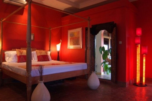 Red Colour Schemes For Bedrooms With Best Designs