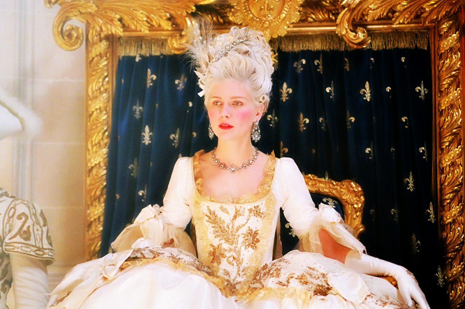 a queen's first appearance or marie antoinette's hair | marie