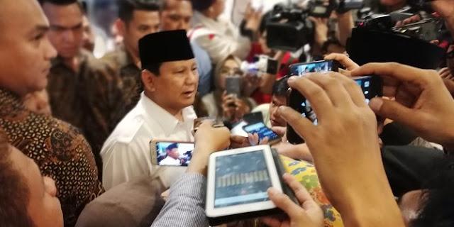 Tim Jokowi sindir Prabowo: Gawat setiap kali bikin kesalahan terus minta maaf