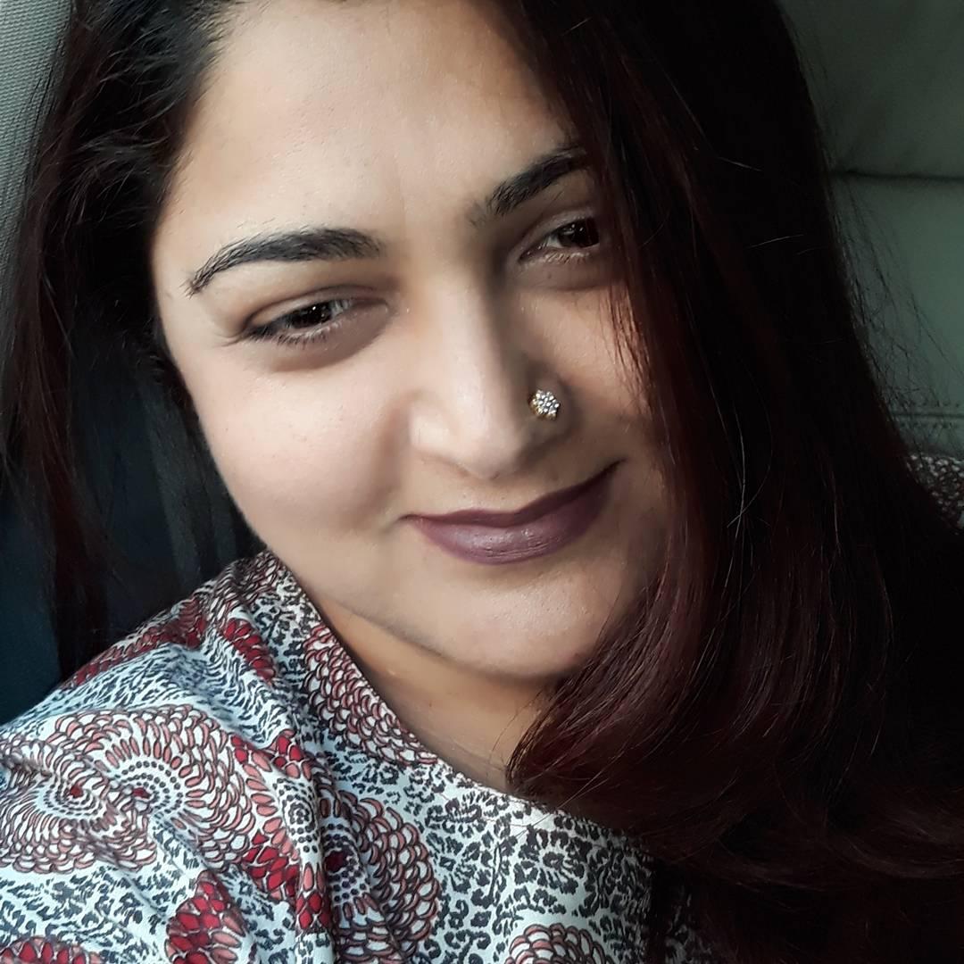 Actress KhushbuSundhar Latest HD Images