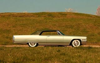 1966 Cadillac Eldorado Cabriolet Green Side Right
