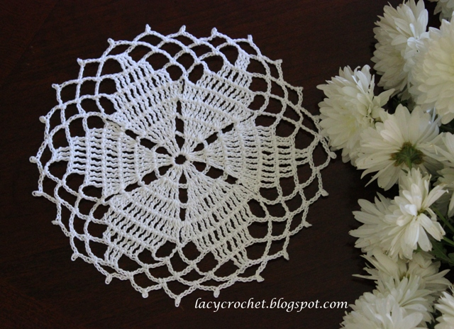 Crocheting Doilies Patterns : Lacy Crochet: Small Star Doily, Free Pattern