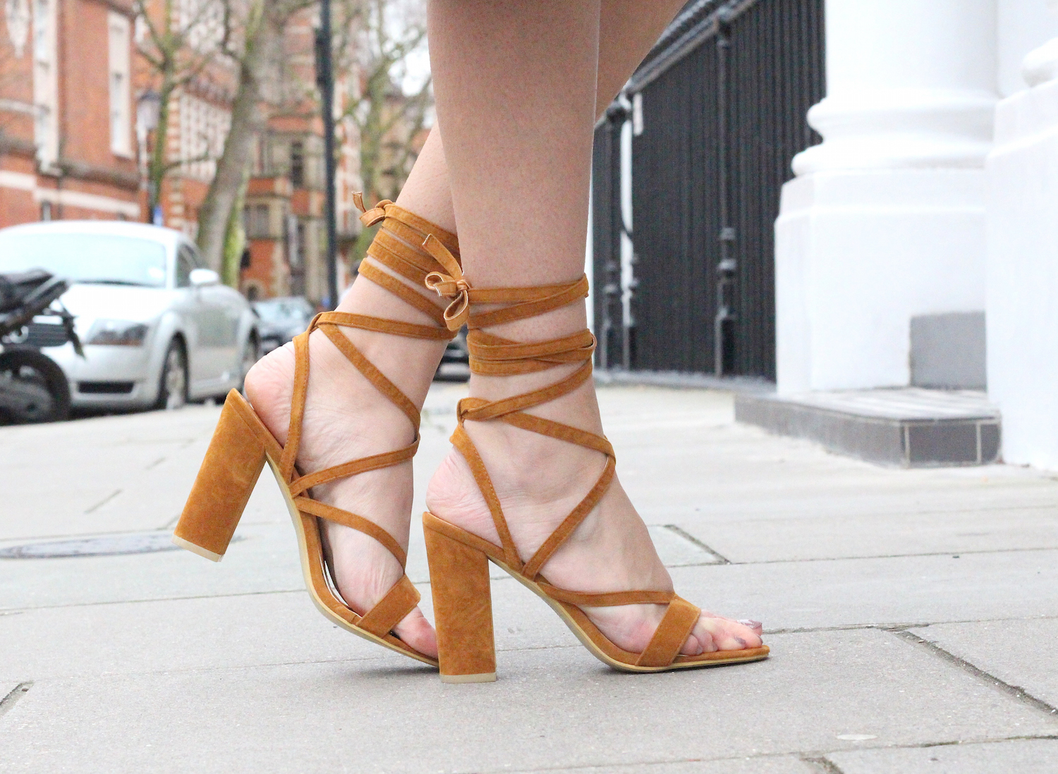 peexo fashion blogger wearing lace up sandals from simmi shoes