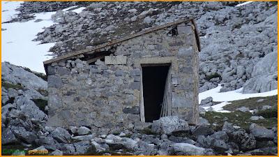 Refugio de emergencia en la Vega del Robezo.