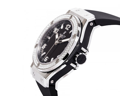 Model Nos.: 361.SE.2010.RW (White) and 361.SX.1270.RX (Black) | 5 Luxury Watches Every Woman
