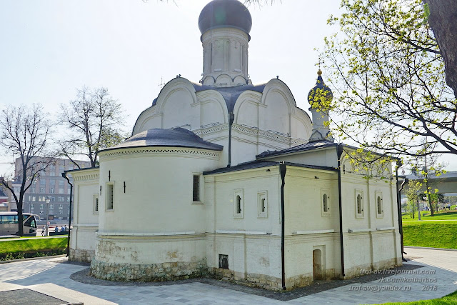 The Church of the Conception of Anne (XVI-XVII centuries), Zaryadie tombstone, monastery, drum, Conception, temple, headstone, portal, chapel, brick, Catherine, foundation, apse, carved, church, church, chapel, visible, buildings, northern, ornamental