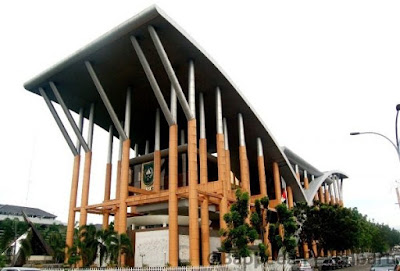 Tempat Wisata di Riau perpustakaan soeman hs