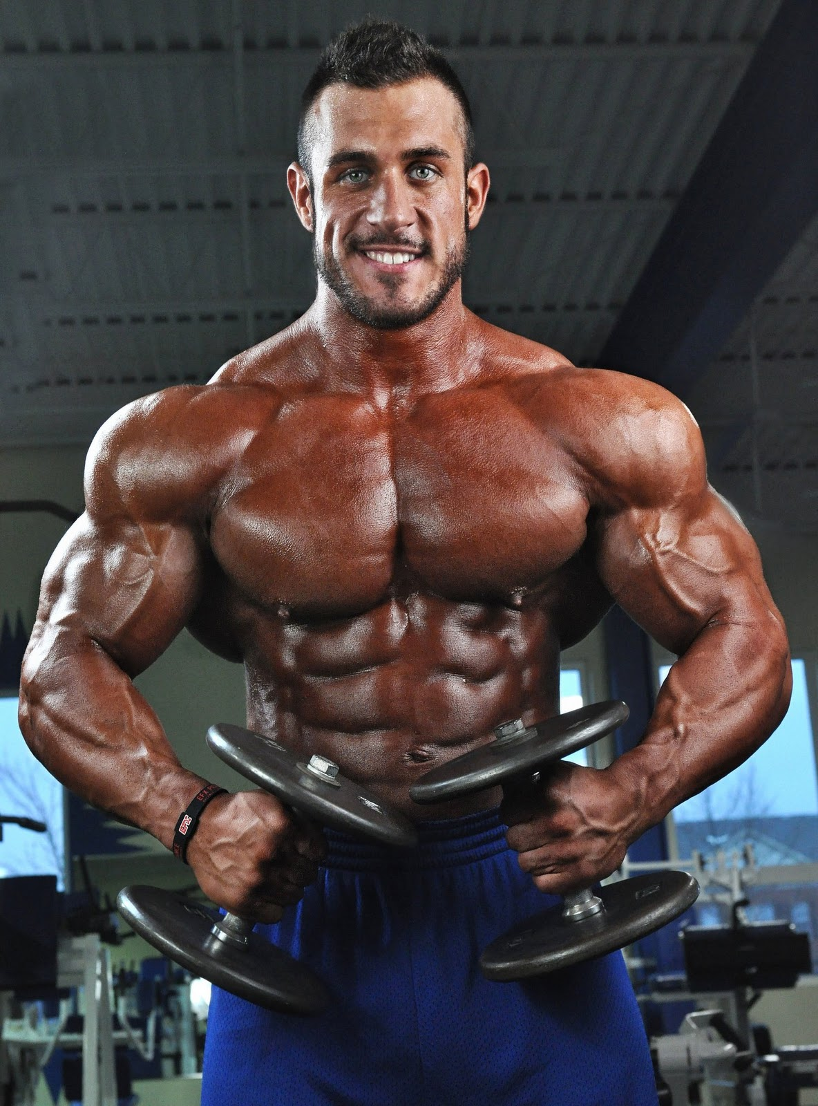 MUSCLE ADDICTS INC: HOT BODYBUILDER ANTOINE VAILLANT: PART 1