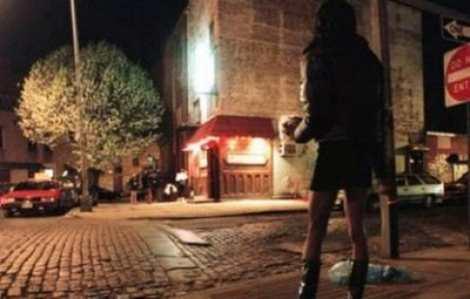 Αποτέλεσμα εικόνας για εικόνες πλατείας βάθης, νύχτα