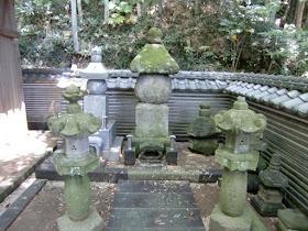 満願寺~佐原義連の墓:横須賀市...
