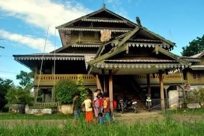 Desain Asli Rumah Adat Sulawesi Tenggara