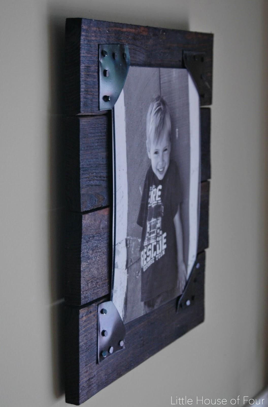 diy rustic pallet frames little house of four diy. Black Bedroom Furniture Sets. Home Design Ideas