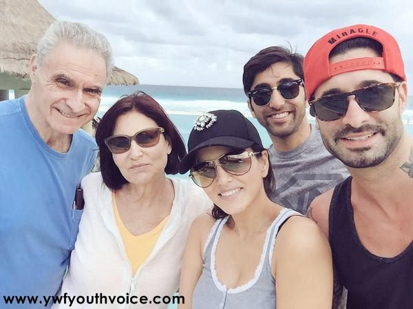 Sunny Leone With Her Family Pic, Adorable Sunny Leone, Cute Sunny Leone, Bautiful Sunny Leone, Desi Look Sunny Leone, Hot Sunny Leone, Sexy Sunny Leone Wallpaper