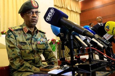 """المعارضة ترفض """"الانقلاب العسكري"""" في السودان"""