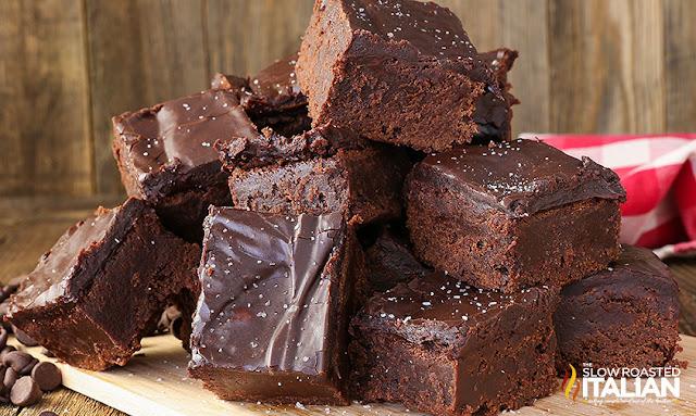 http://theslowroasteditalian-printablerecipe.blogspot.com/2016/09/salted-caramel-fudgy-brownies.html
