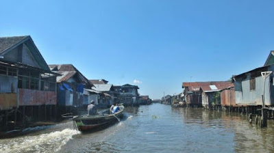 Pemandangan permukiman kumuh di sepanjang Sungai Kelayan, Kota Banjarmasin, Kalsel.
